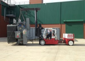Moving a transformer with a Versa-Lift™ 40/60